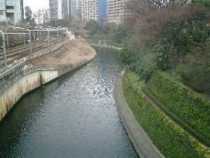 お茶の水橋より神田川